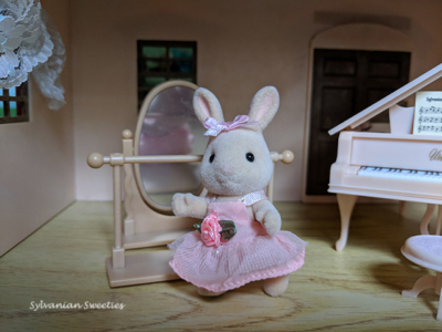 Calico Critters Britney Bunny's Ballet Set