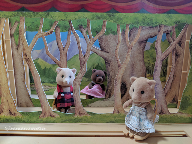 JP Theatre - A forest scene that shows figures on their moveable platforms that even spin!