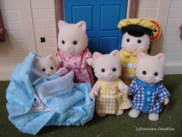 UK Flair Chantilly Cat Family