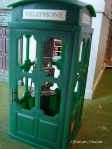 UK Green Telephone Booth