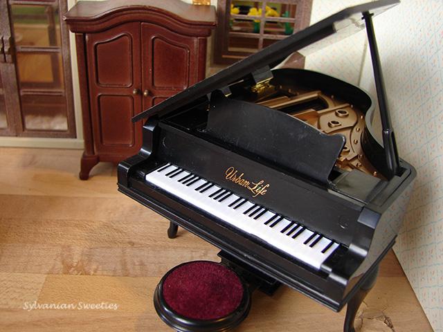 Urban Life Black Grand Piano